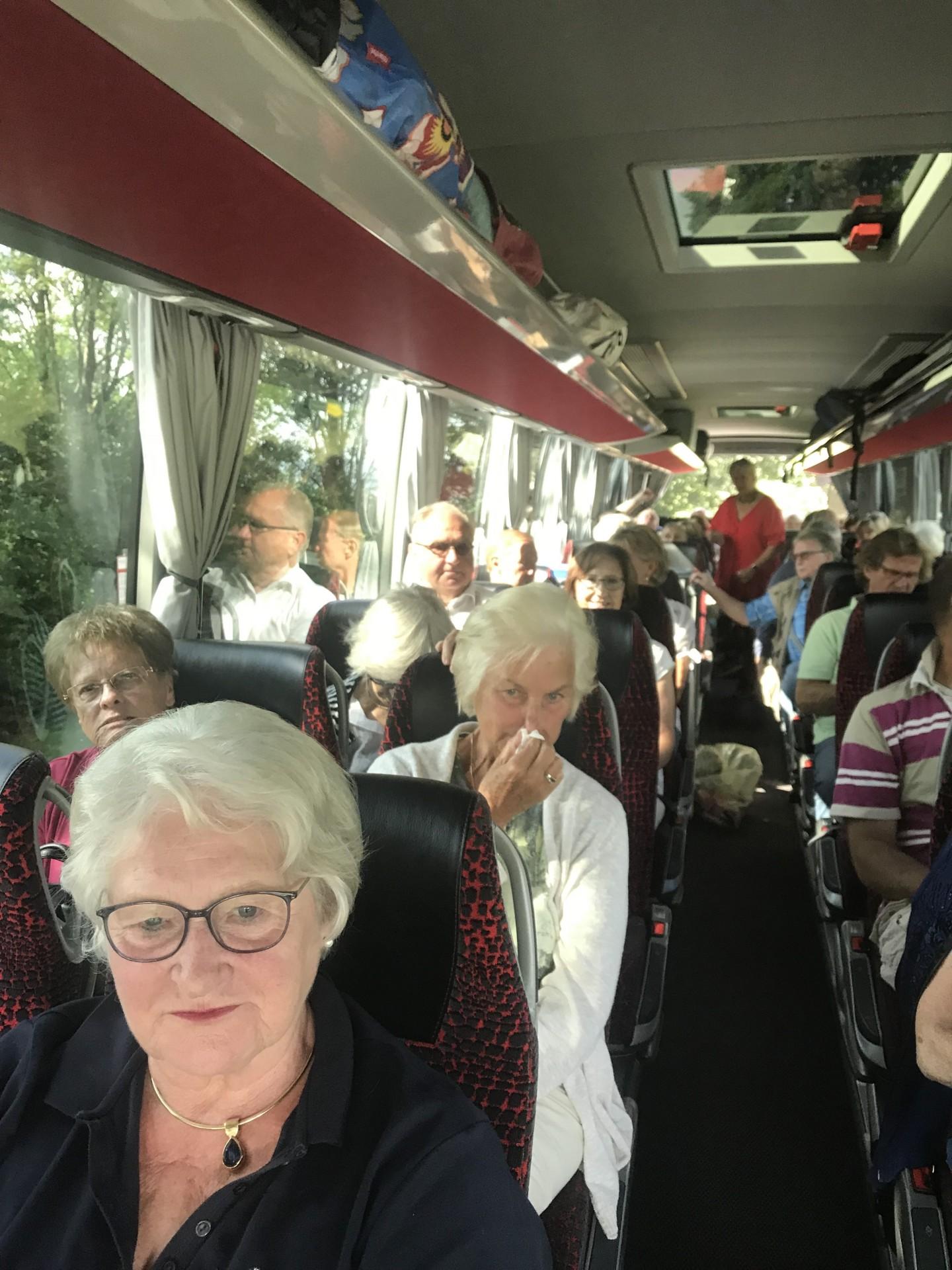 Im Bus 1