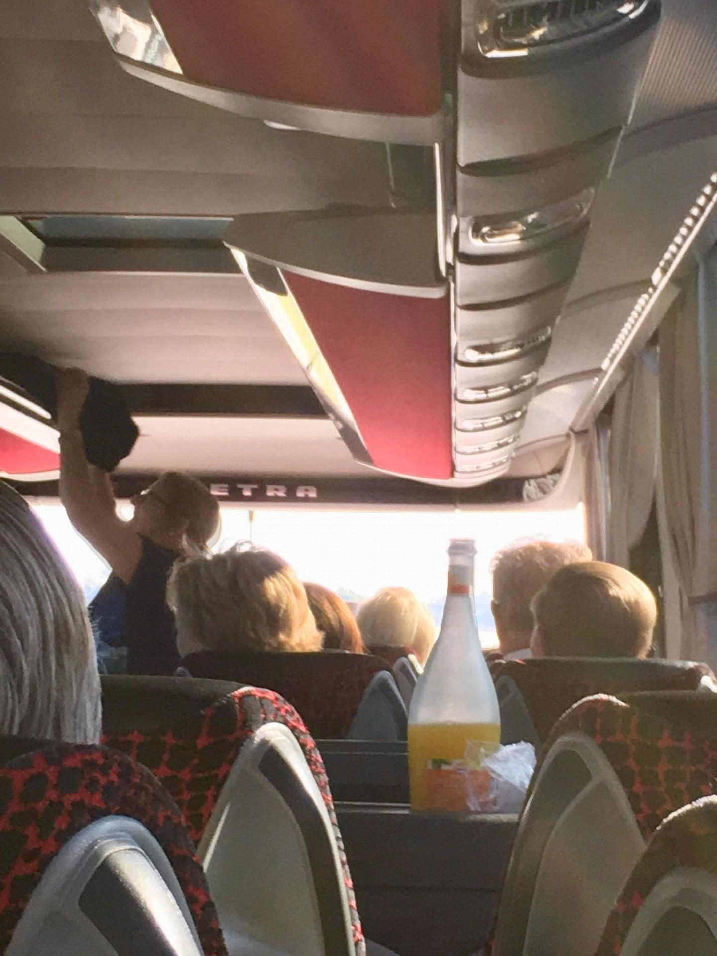 Im Bus 3